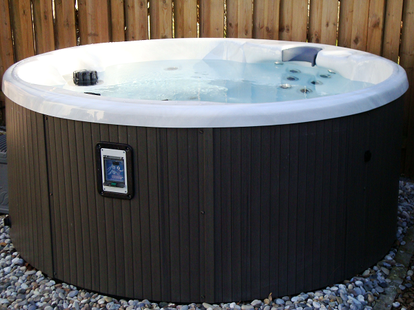 praxisbeispiel ged mmtes fundament f r den gartenwhirlpool whirlpool. Black Bedroom Furniture Sets. Home Design Ideas